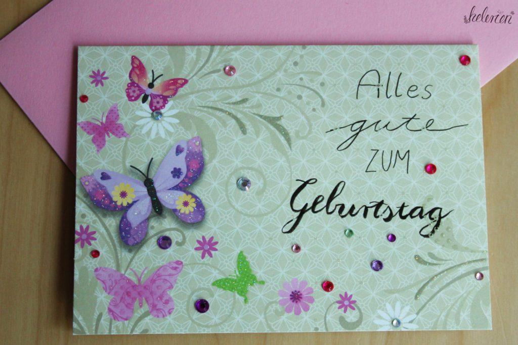 Schmetterlingskarte mit Alles Gute zum Geburtstag drauf, mit Glitzersteinen verschönert