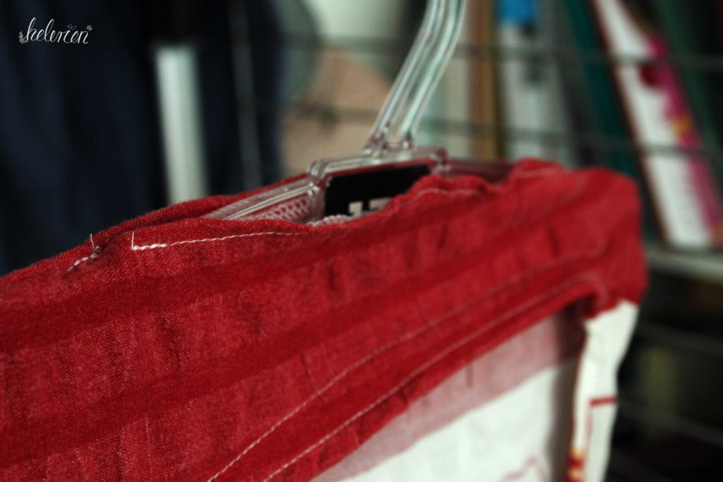 Loch für den Bügel am fertigen Klammerbeutel