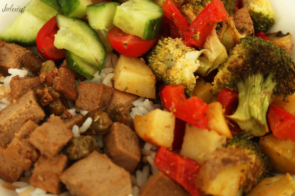 Teriyaki Tofu mit Gemüse und Reise